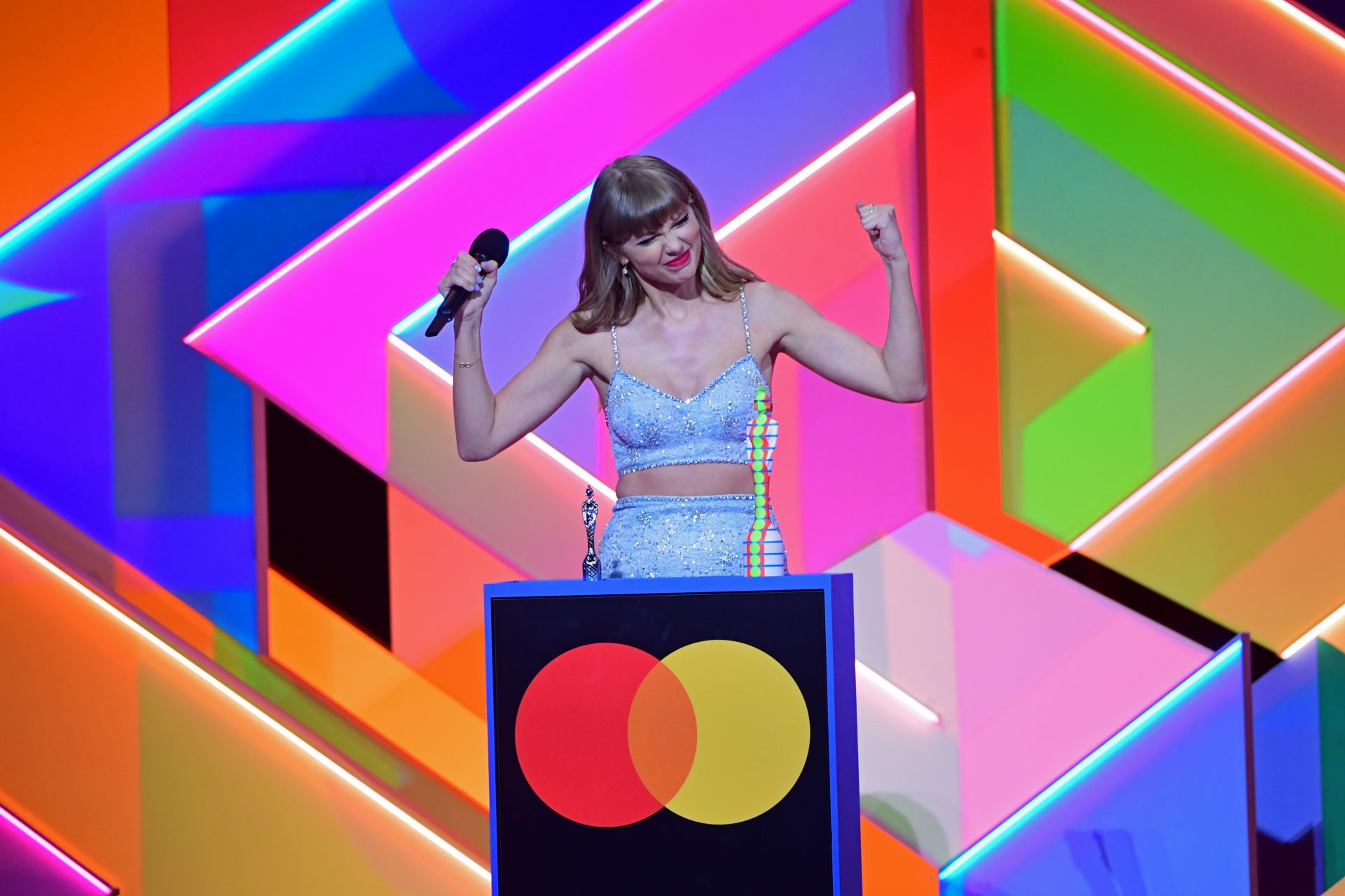 Taylor Swift: her Global Icon BRIT Award, controversies, and everlasting music