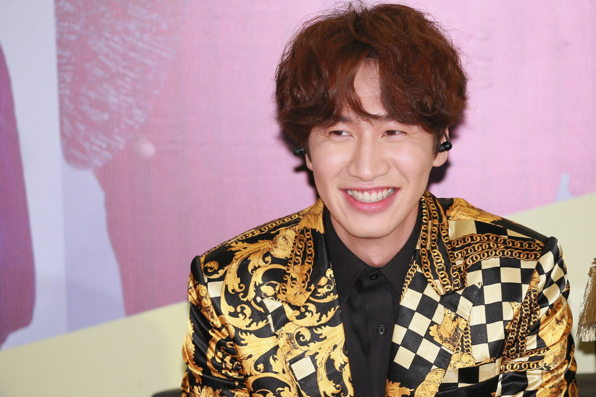 Lee Kwang-Soo's last 'Running Man' after 11 years on the show